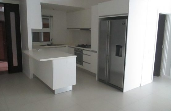 SPACIOUS GROUND FLOOR APARTMENT FOR UNFURNISHED LET